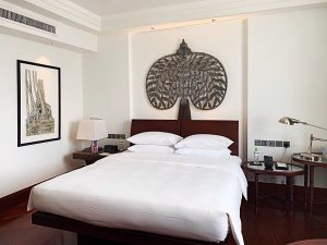 Where to stay in Siem Reap Park Hyatt king-sized bed
