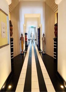 Where to stay in Siem Reap Park Hyatt main hallway